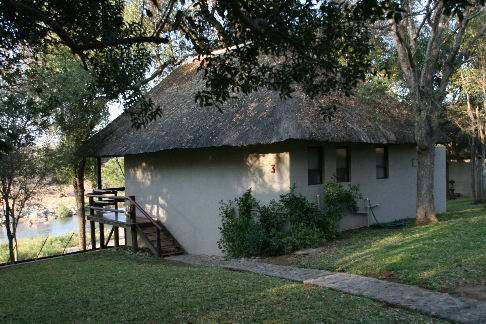 Nyati Safari Lodge